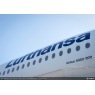 ニュース画像 2枚目:A350-900、胴体中央部のロゴ
