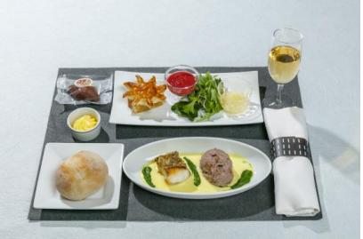 JAL、1月の国内線ファースト機内食は「沖縄」西表島の特別 ...