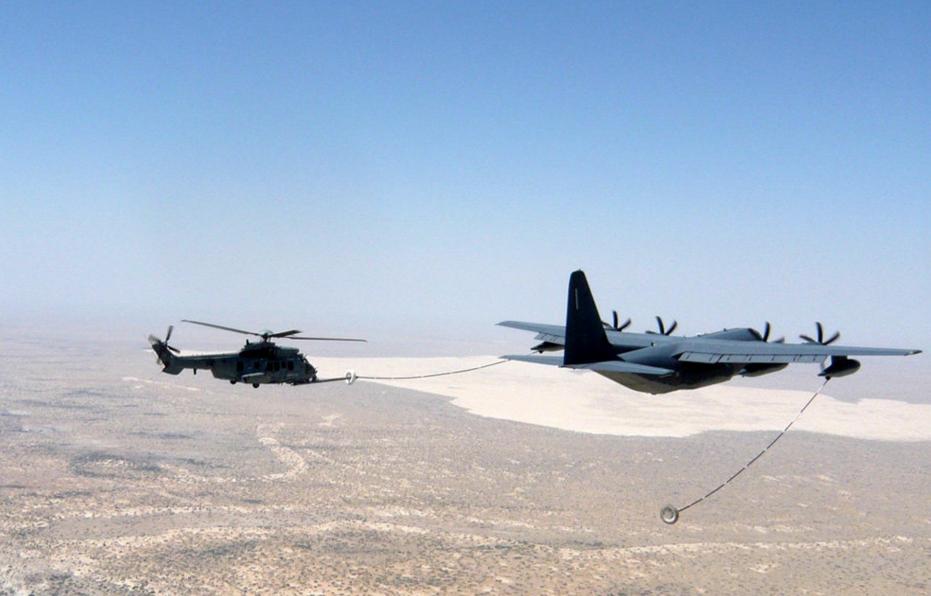 フランス空軍ヘリ、作戦中に初めて空中給油を受ける | FlyTeam ニュース
