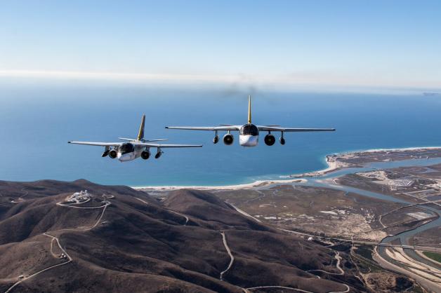 ニュース画像 1枚目:2015年12月18日、ポイントマグーで撮影されたS-3バイキング最後の編隊飛行