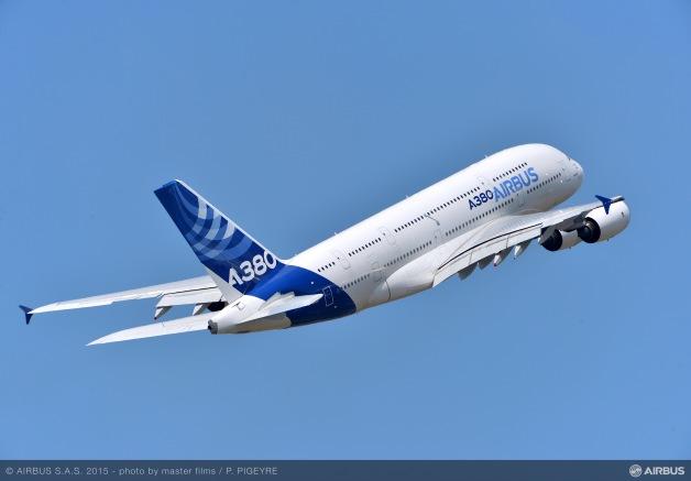 ニュース画像:パリ・エアショーでのA380   FlyTeam ニュース