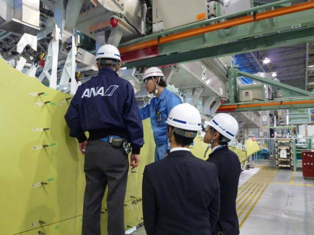 ニュース画像 1枚目:MRJ量産初号機の顧客領収検査、ANAスタッフが立会い