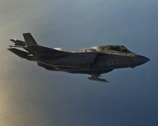 ニュース画像 1枚目:F-35Bの両翼端に搭載されているのがASRAAM(想像図)