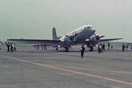 apphgさんが、厚木飛行場で撮影したアメリカ海軍 DC-3の航空フォト(写真)