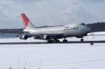 カワPさんが、新千歳空港で撮影した日本航空 747-246Bの航空フォト(写真)