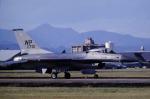 チャーリーマイクさんが、横田基地で撮影したアメリカ空軍 F-16A-15-ADF Fighting Falconの航空フォト(写真)