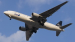 bakabon-icさんが、松山空港で撮影した全日空 777-281の航空フォト(写真)