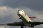 VFRさんが、伊丹空港で撮影した日本航空 MD-81 (DC-9-81)の航空フォト(写真)