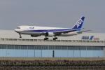 ギ―ピロさんが、羽田空港で撮影した全日空 767-381の航空フォト(写真)