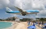 こじゆきさんが、プリンセス・ジュリアナ国際空港で撮影したKLMオランダ航空 747-406の航空フォト(写真)