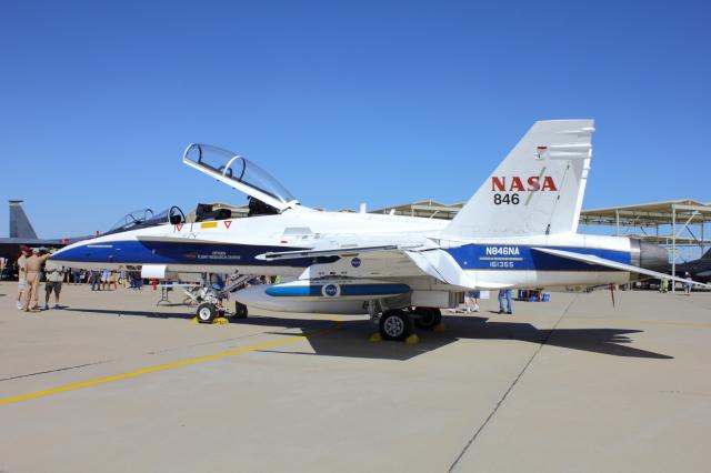アメリカ航空宇宙局 McDonnell Douglas F/A-18 Hornet N846NA ルーク空軍基地  航空フォト | by TKBKさん