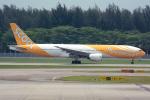 Tomo-Papaさんが、シンガポール・チャンギ国際空港で撮影したスクート 777-212/ERの航空フォト(写真)