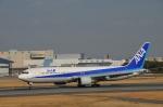 KIXベースのB747さんが、伊丹空港で撮影した全日空 767-381の航空フォト(写真)