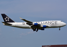 NINEJETSさんが、成田国際空港で撮影したユナイテッド航空 747-422の航空フォト(写真)
