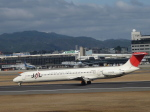 smmt3104さんが、伊丹空港で撮影した日本航空 MD-81 (DC-9-81)の航空フォト(写真)