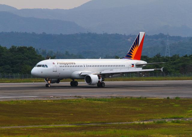 フィリピン航空 Airbus A320-200 RP-C8619 広島空港  航空フォト | by 036さん