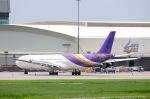 まいけるさんが、スワンナプーム国際空港で撮影したタイ国際航空 A330-321の航空フォト(写真)
