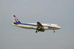 akiboさんが、成田国際空港で撮影した全日空 A320-214の航空フォト(写真)