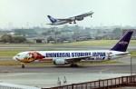 新城良彦さんが、伊丹空港で撮影した全日空 767-381の航空フォト(写真)