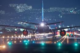 おぺちゃんさんが、伊丹空港で撮影した全日空 777-281/ERの航空フォト(写真)