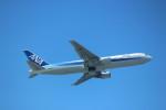 えすけ~さんが、那覇空港で撮影した全日空 767-381の航空フォト(写真)