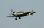 Koenig117さんが、ミリテール・ド・ペイエルヌ飛行場で撮影したイギリス個人所有 361 Spitfire LF16Eの航空フォト(写真)