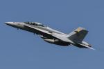 shootingstarさんが、厚木飛行場で撮影したアメリカ海兵隊 F/A-18D Hornetの航空フォト(写真)