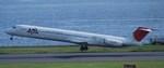 tsukatakuさんが、羽田空港で撮影した日本航空 MD-81 (DC-9-81)の航空フォト(写真)