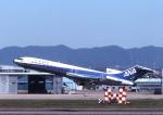toshirouさんが、名古屋飛行場で撮影した全日空 727-281の航空フォト(写真)