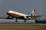 Gambardierさんが、伊丹空港で撮影した日本エアシステム A300B2K-3Cの航空フォト(写真)