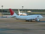 bb212さんが、成田国際空港で撮影した日本航空 747-446の航空フォト(写真)