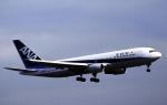 チャーリーマイクさんが、福岡空港で撮影した全日空 767-281の航空フォト(写真)