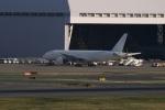 iq81さんが、羽田空港で撮影した日本航空 777-246の航空フォト(写真)