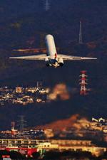 ぶちょさんが、伊丹空港で撮影した日本航空 MD-81 (DC-9-81)の航空フォト(写真)