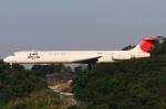 A-Chanさんが、福岡空港で撮影した日本航空 MD-81 (DC-9-81)の航空フォト(写真)