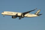 Koenig117さんが、羽田空港で撮影したエアバス A350-941XWBの航空フォト(写真)