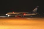 はるさんが、山口宇部空港で撮影した全日空 767-281の航空フォト(写真)