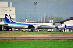 ATOMさんが、札幌飛行場で撮影した全日空 YS-11A-500の航空フォト(写真)