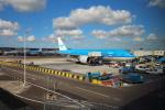 Koenig117さんが、アムステルダム・スキポール国際空港で撮影したKLMオランダ航空 777-206/ERの航空フォト(写真)