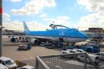 Koenig117さんが、アムステルダム・スキポール国際空港で撮影したKLMオランダ航空 747-406Mの航空フォト(写真)