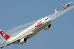 バーバ父さんが、ミリテール・ド・ペイエルヌ飛行場で撮影したスイスインターナショナルエアラインズ A330-343Xの航空フォト(写真)