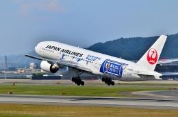 頭文字Sさんが、伊丹空港で撮影した日本航空 777-246の航空フォト(写真)