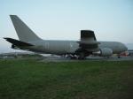 バーバ父さんが、ミリテール・ド・ペイエルヌ飛行場で撮影したイタリア空軍 KC-767A (767-2EY/ER)の航空フォト(写真)