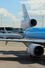 Koenig117さんが、アムステルダム・スキポール国際空港で撮影したKLMオランダ航空 MD-11の航空フォト(写真)
