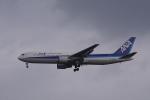 神宮寺ももさんが、小松空港で撮影した全日空 767-381の航空フォト(写真)