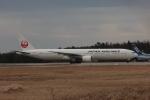 まぁぼーさんが、小松空港で撮影した日本航空 777-346の航空フォト(写真)