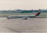 ドリームクルーザーさんが、伊丹空港で撮影した東亜国内航空 MD-81 (DC-9-81)の航空フォト(写真)