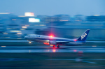 いっち〜@RJFMさんが、福岡空港で撮影した全日空 737-881の航空フォト(写真)