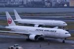 HISATAKUさんが、羽田空港で撮影した日本航空 777-346の航空フォト(写真)