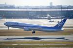たにかわさんが、羽田空港で撮影した全日空 767-381の航空フォト(写真)
